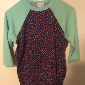 Women's lularoe half sleeve shirt